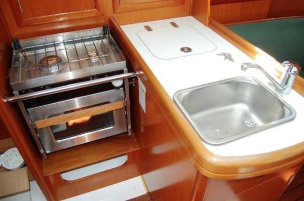 2003 Beneteau 311 Photo 6 sur 10
