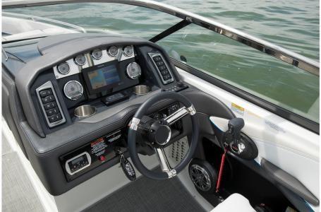 2021 Formula 270 Bowrider Photo 7 sur 22