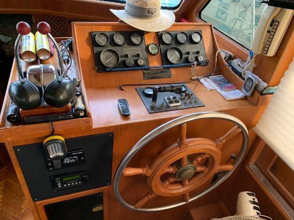 1987 Nova Fishing Cockpit Photo 24 sur 41
