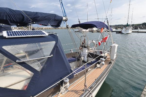 1969 Sparkman Stephens Comanche 42 by Chris Craft Photo 9 of 114