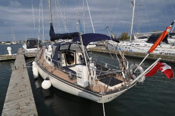1969 Sparkman Stephens Comanche 42 by Chris Craft Photo 10 of 114