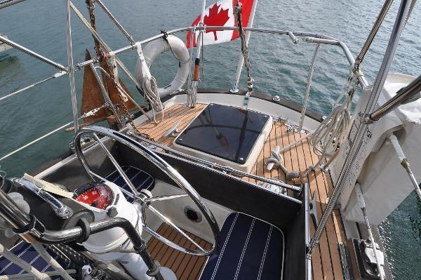 1969 Sparkman Stephens Comanche 42 by Chris Craft Photo 12 of 114