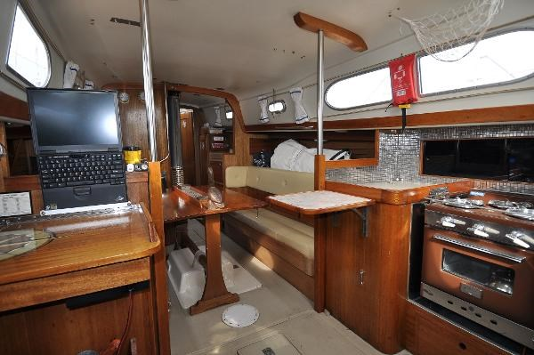 1969 Sparkman Stephens Comanche 42 by Chris Craft Photo 24 of 114