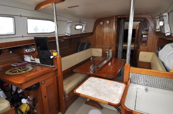 1969 Sparkman Stephens Comanche 42 by Chris Craft Photo 28 of 114