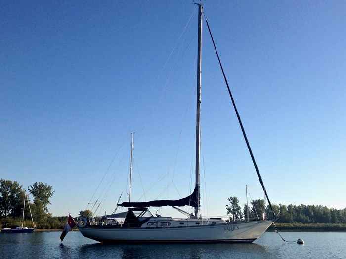 1969 Sparkman Stephens Comanche 42 by Chris Craft Photo 1 of 114