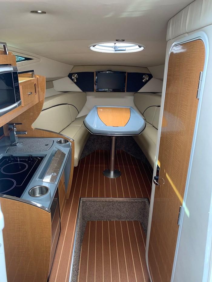 2015 Larson Cabrio 285 Photo 5 of 6