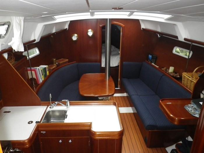 2005 Beneteau Oceanis 373 Photo 7 sur 17