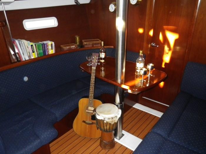 2005 Beneteau Oceanis 373 Photo 10 sur 17