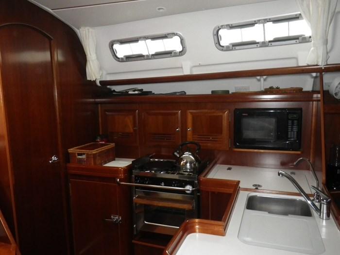 2005 Beneteau Oceanis 373 Photo 15 sur 17