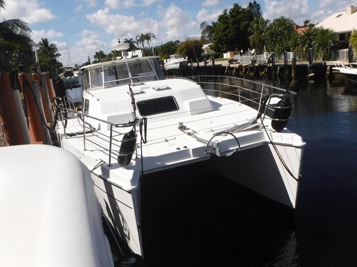 2007 Endeavour Catamaran Power Cat Photo 3 sur 33