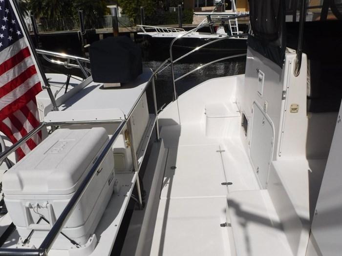 2007 Endeavour Catamaran Power Cat Photo 10 sur 33