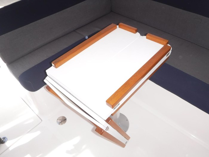 2007 Endeavour Catamaran Power Cat Photo 16 sur 33