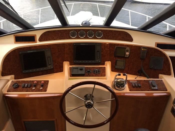 2007 Meridian 580 Pilothouse Photo 4 sur 28
