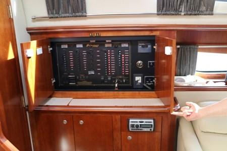2007 Cruisers Yachts 415 Express Photo 11 of 20