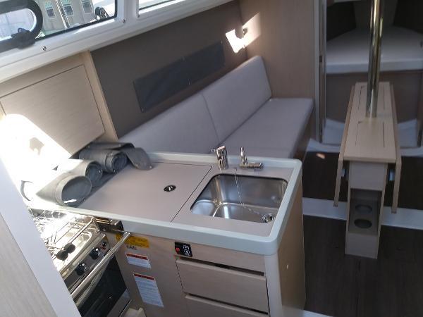 2020 Beneteau Oceanis 30.1 Photo 29 of 35