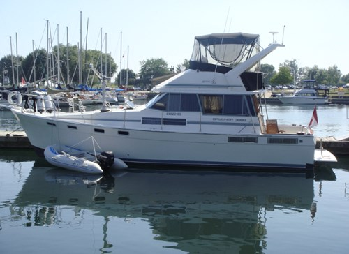 1989 Bayliner 3888 Motor Yacht Photo 1 sur 64