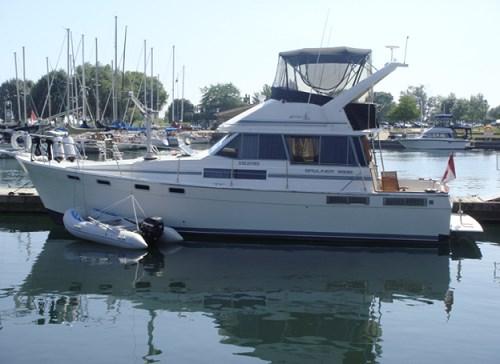 1989 Bayliner 3888 Motor Yacht Photo 2 sur 64
