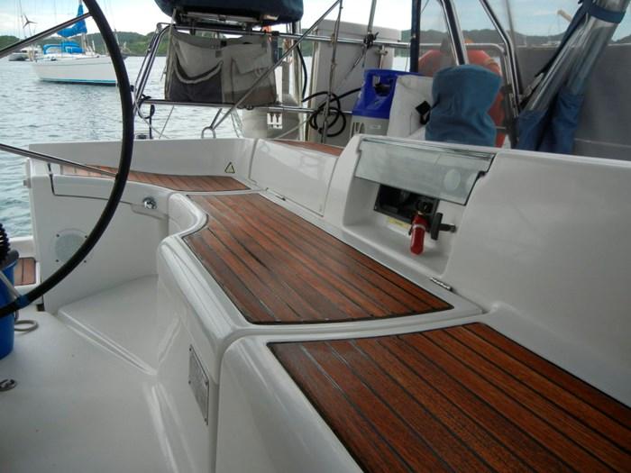 2003 Beneteau Oceanis 393 Photo 15 sur 29