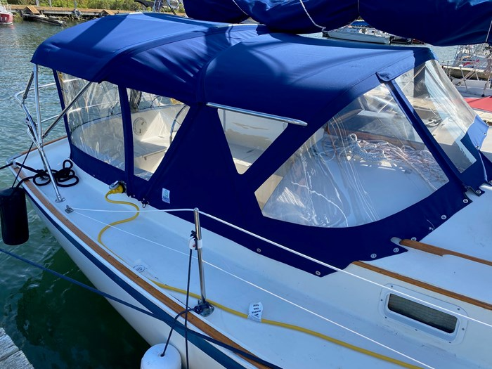 1980 Hinterhoeller Yachts Nonsuch 30 Photo 6 of 18