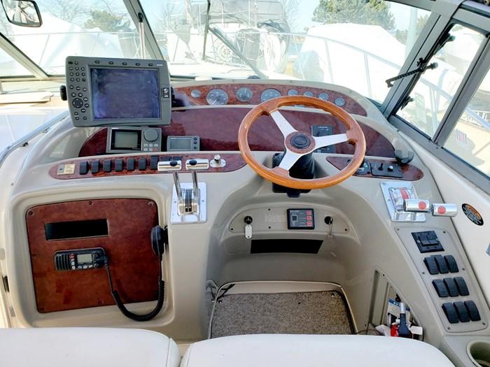 1998 Maxum 4100 SCR Express Cruiser Photo 10 of 21