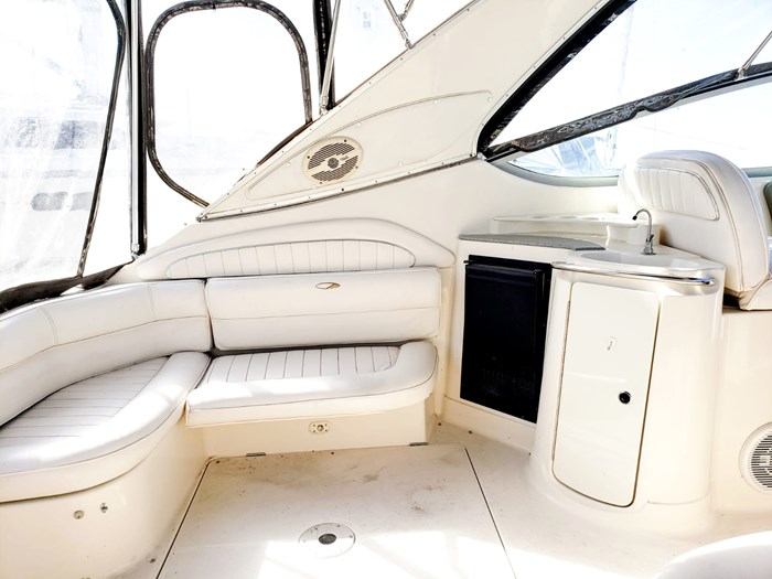 1998 Maxum 4100 SCR Express Cruiser Photo 7 of 21