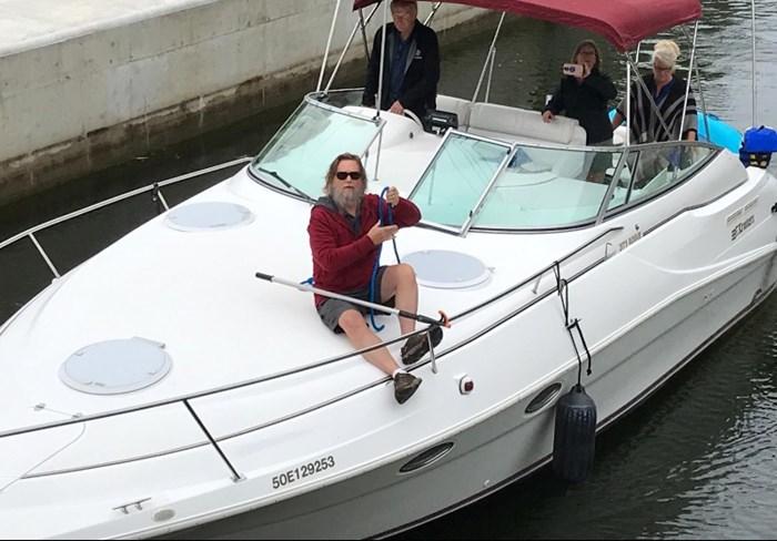 1996 Cruisers Yachts 3175 Rogue Photo 21 of 27