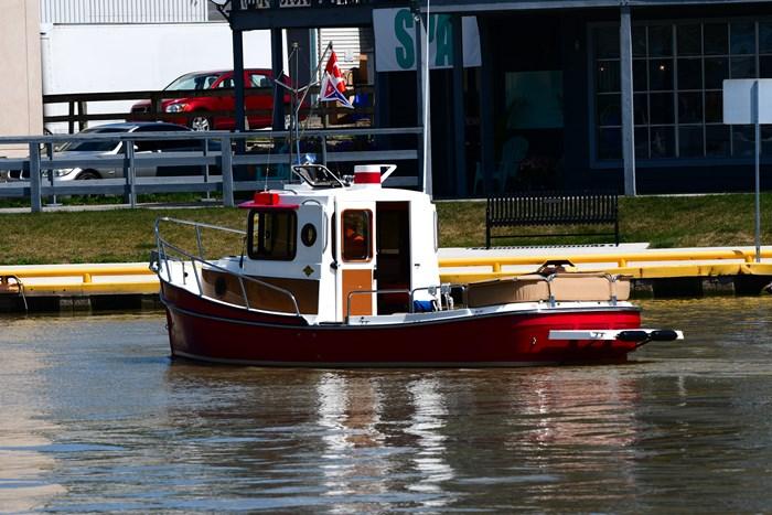 2011 Ranger Tugs R21 Photo 3 of 13