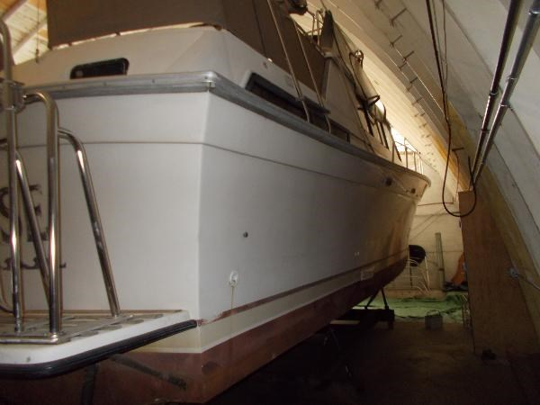 1983 Silverton 40 AFT CABIN MY Photo 2 of 21