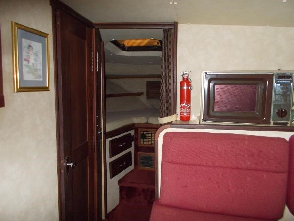 1983 Silverton 40 AFT CABIN MY Photo 9 of 21