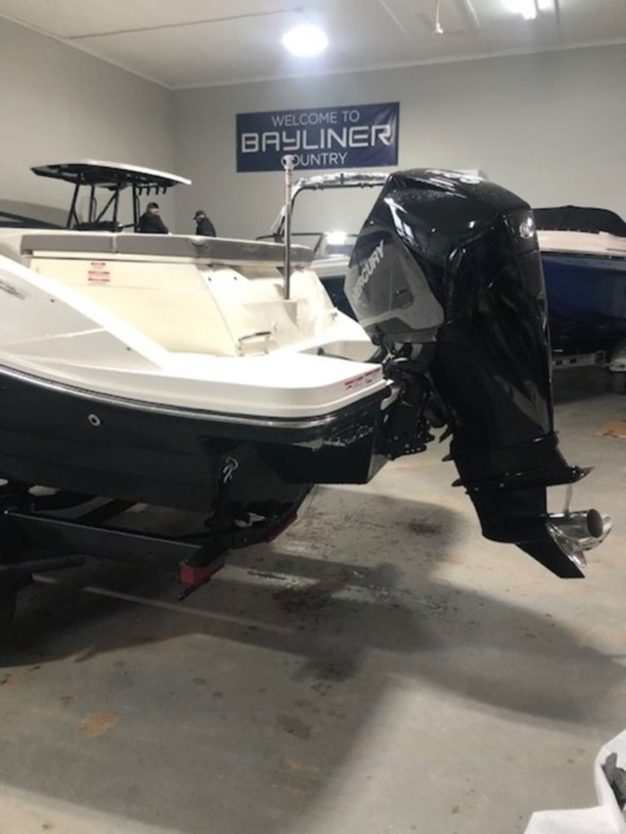 2020 Sea Ray SPX 230 Outboard Photo 20 of 20