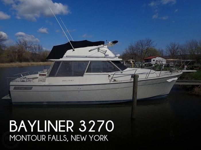 1983 Bayliner 3270 Explorer Photo 1 sur 20