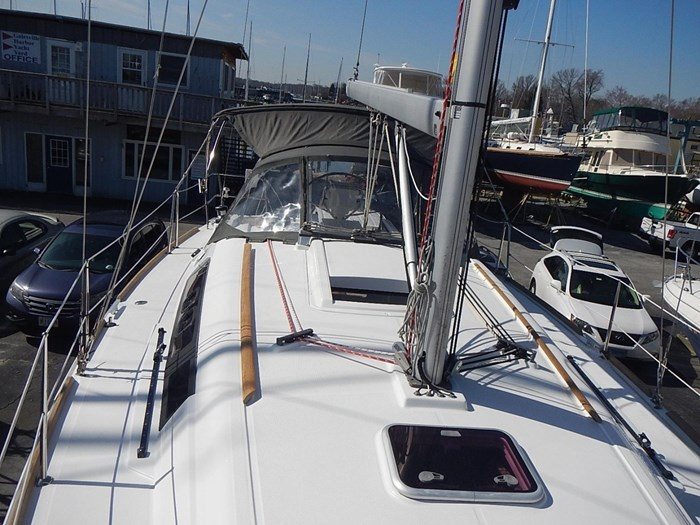 2013 Beneteau Photo 23 of 61
