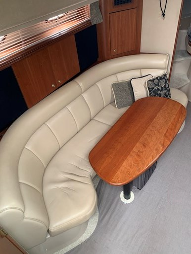 2000 Cruisers Yachts 3870 Esprit Photo 6 of 30