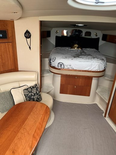 2000 Cruisers Yachts 3870 Esprit Photo 7 of 30