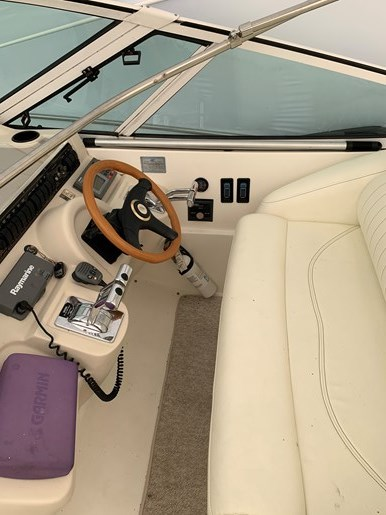 2000 Cruisers Yachts 3870 Esprit Photo 17 of 30