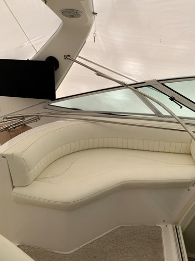2000 Cruisers Yachts 3870 Esprit Photo 20 of 30