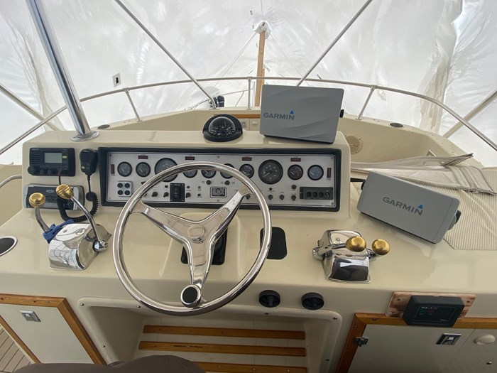 1987 Chris-Craft 392 Commander Photo 3 of 22