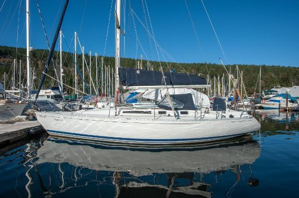 1986 Beneteau First 405 Photo 1 of 61