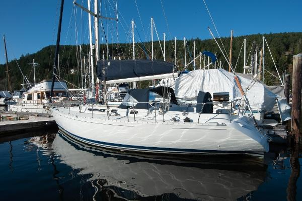1986 Beneteau First 405 Photo 2 of 61