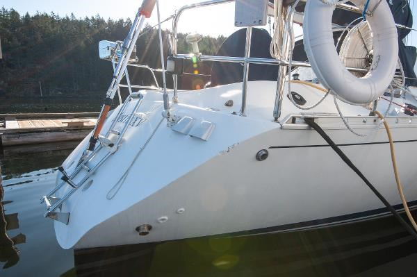 1986 Beneteau First 405 Photo 3 of 61