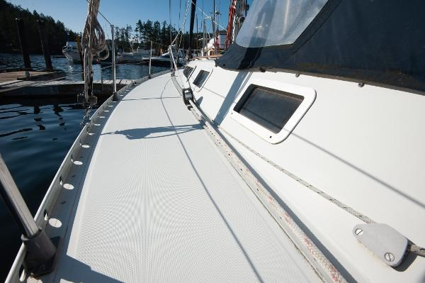 1986 Beneteau First 405 Photo 10 of 61