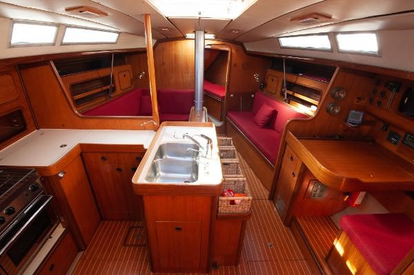 1986 Beneteau First 405 Photo 25 of 61