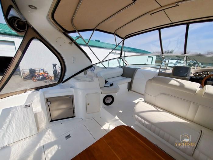 2002 Cruisers Yachts 3372 Photo 24 of 99