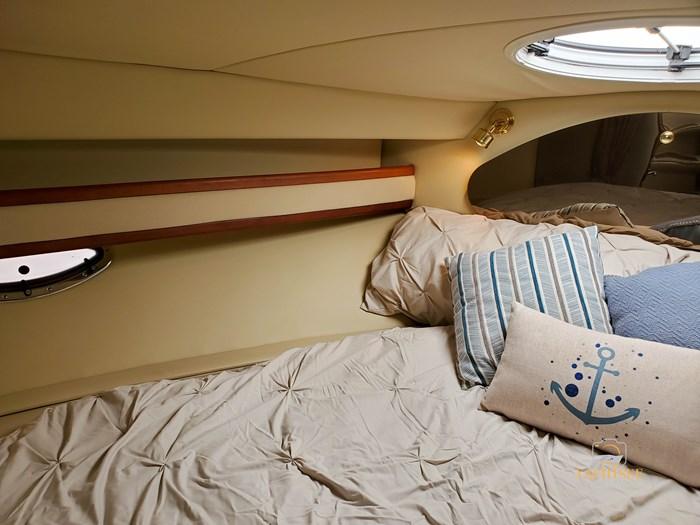 2002 Cruisers Yachts 3372 Photo 72 of 99