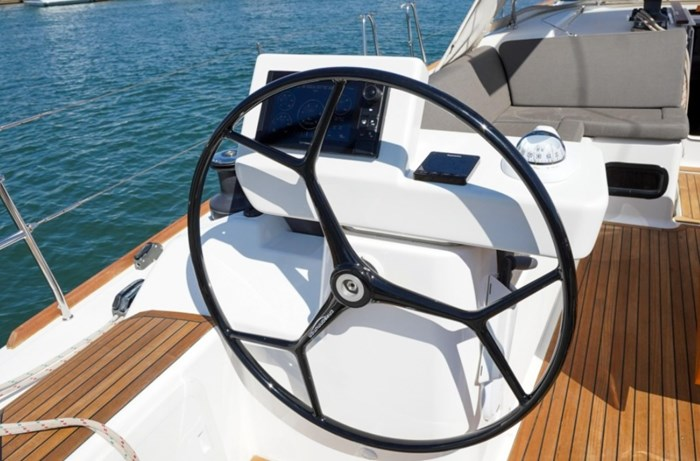 2018 Dufour Yachts 520 Grand Large Photo 8 of 27