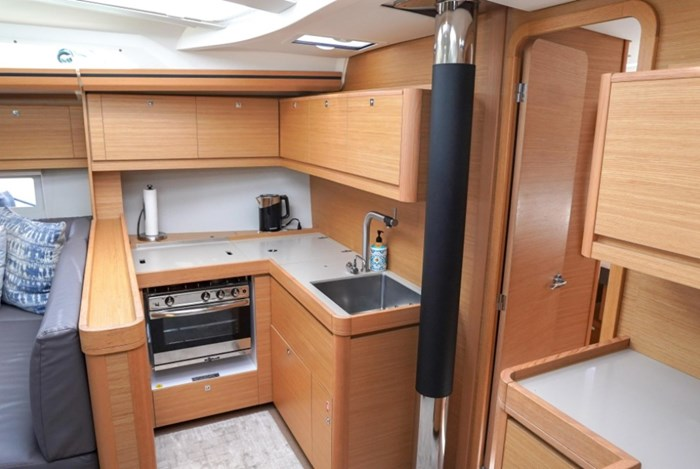 2018 Dufour Yachts 520 Grand Large Photo 17 of 27