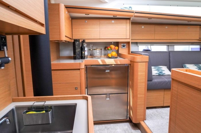 2018 Dufour Yachts 520 Grand Large Photo 19 of 27