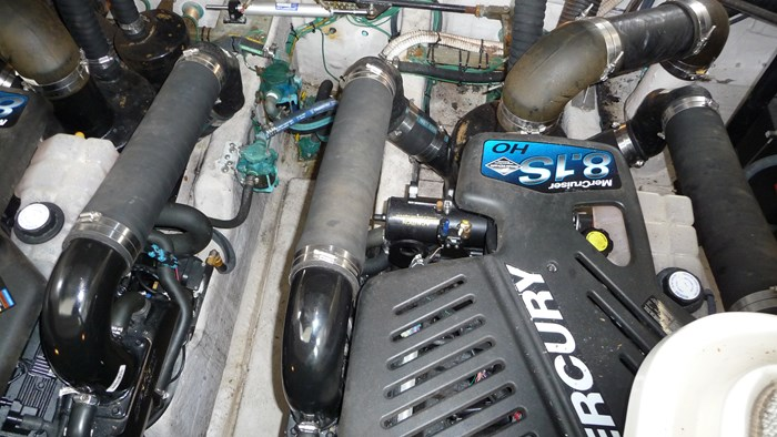 2007 Sea Ray 380 Sundancer Photo 15 of 21