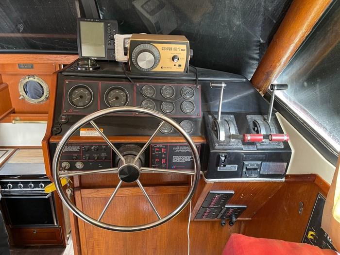 1982 Bayliner Explorer Photo 9 of 15