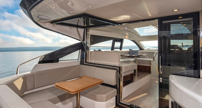 2021 Fairline 45 GT Photo 6 of 14